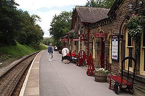 Vintage Train Station Platform Gallery Images And Information